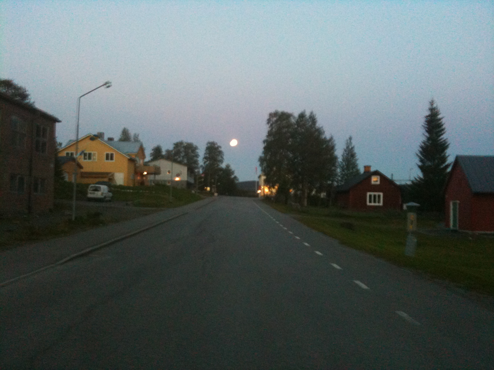Underåker by night - It´s going down